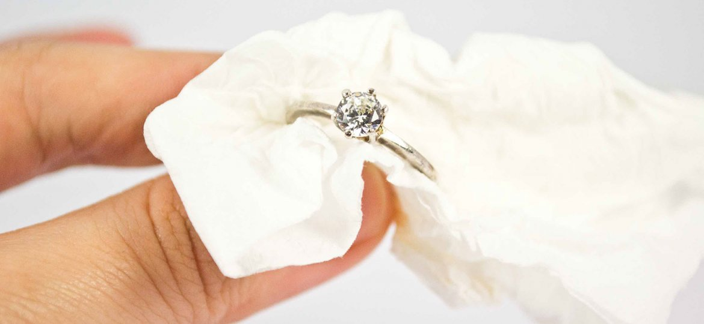 نحوه تمیز کردن جواهرات در منزل