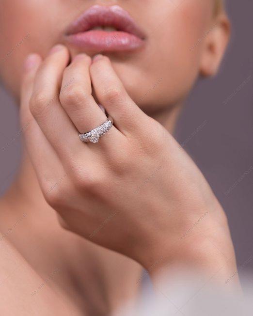 انگشتر جواهر 1569